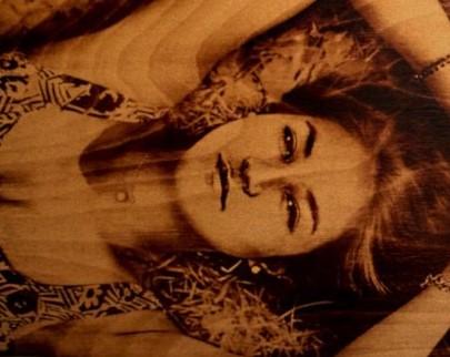 портрет на дереве на заказ в Туле